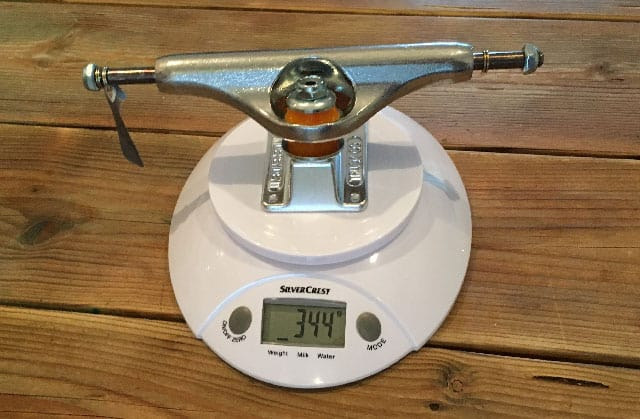 independent truck on a scale weighing 344 grams