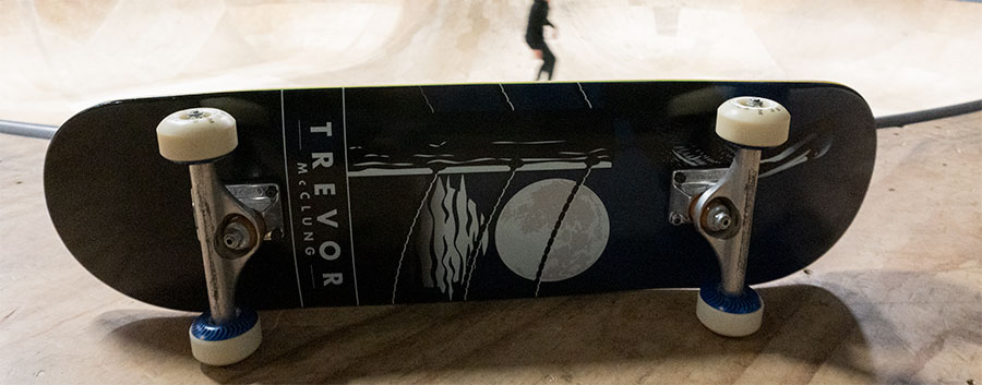 Pool skateboard setup
