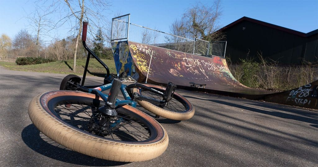 BMX in a skatepark