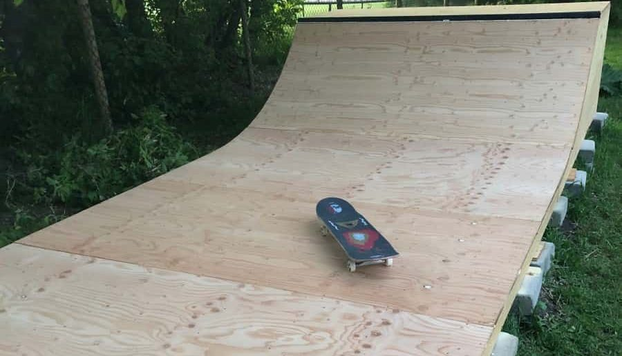 finished DIY mini ramp