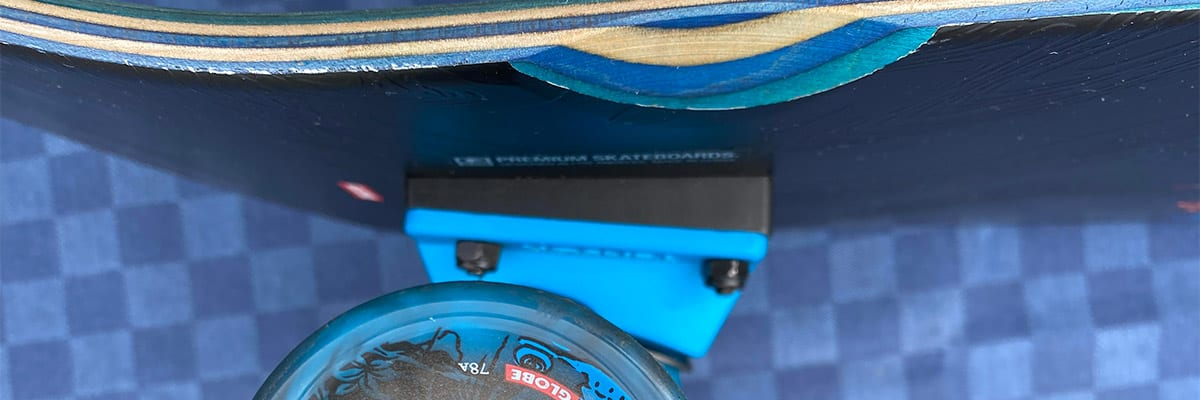 Slant wedge riser pads