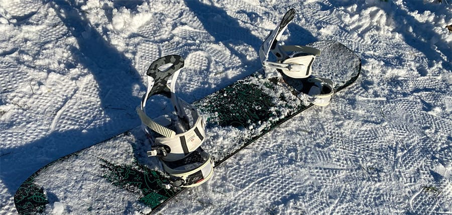 snowboard bindings on a snowboard