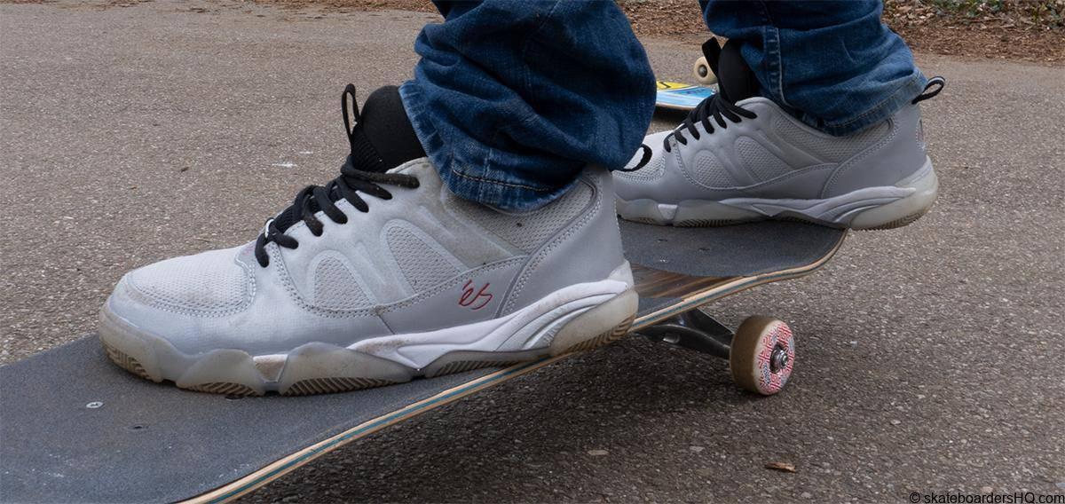 Es Silo Skate shoes on a skateboard