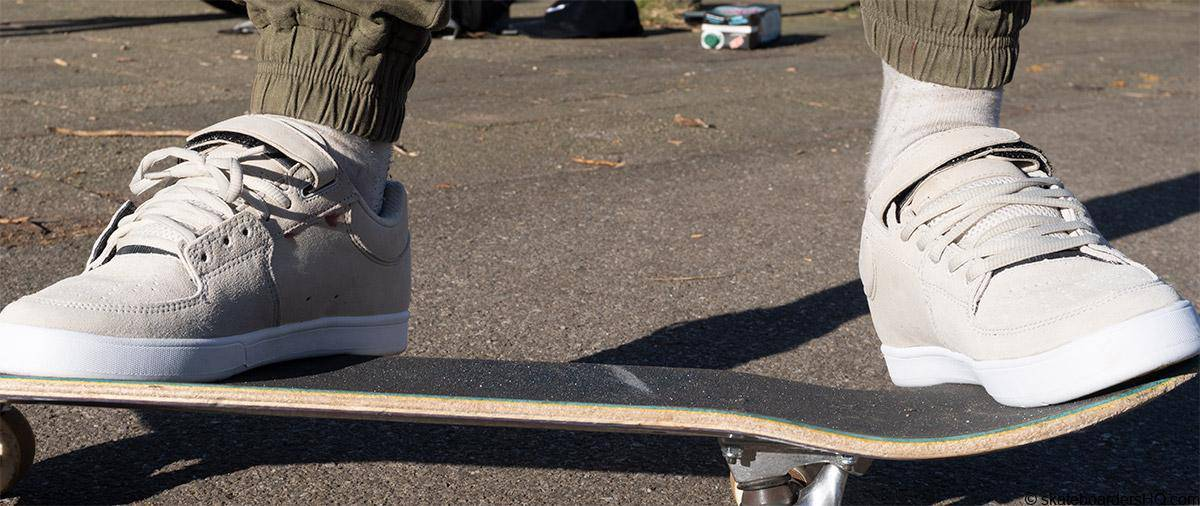 Etnies Joslin 2 skate shoes on a skateboard