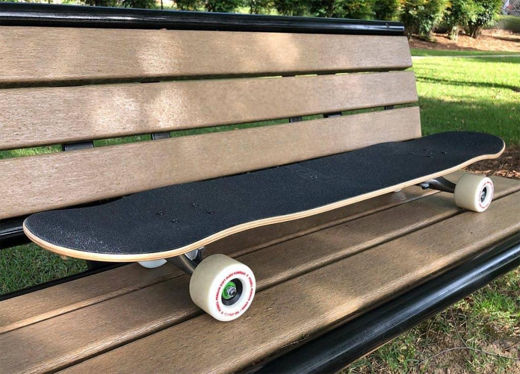 Zenit Mini Marble DK on a bench